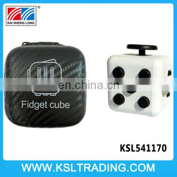 Popular hot sale finger game toys plastic anti stress cube
