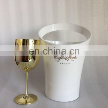 MOET & CHANDON CHAMPAGNE GLASSES