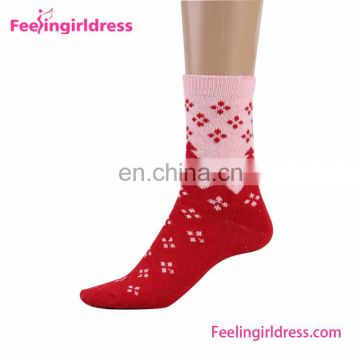 Bulk Very Cheap 5 Pairs 1 Box Christmas Printing Colorful Socks