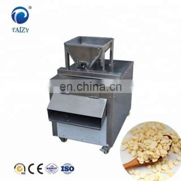 High Quality Stainless Steel Nut Slicing Machine/ Peanut Almond Cashews Hazelnut Slicer/Cutting Machine
