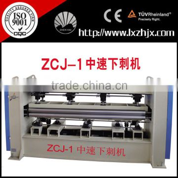 Nonwoven needle punching loom