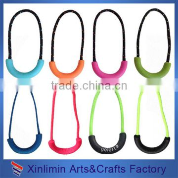 2016 various design fancy custom decorative custom brand pvc zipper puller