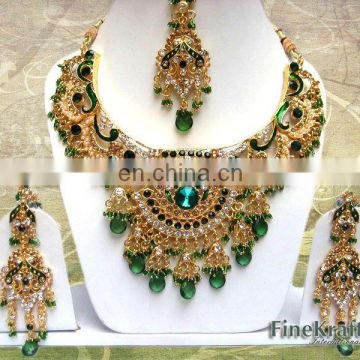 INDIAN KUNDAN BRIDAL JEWELLERY SET