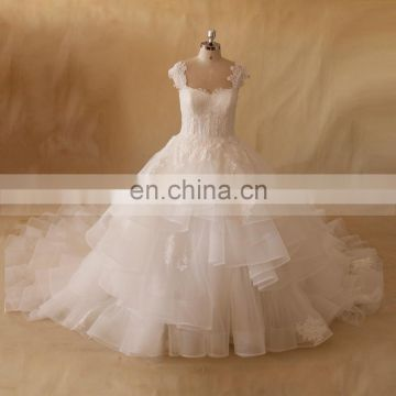 Noble A-Line Cap Sleeves Princess Ruffled Lace Applique Beaded Wedding Dress With Long Train