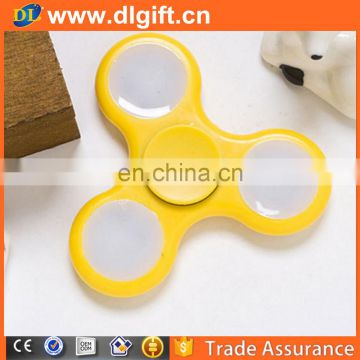 America popular plastic led flashing hand air spinner