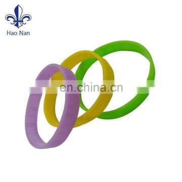 Cheap promotional design colorfull silicon bracelet with custom logo