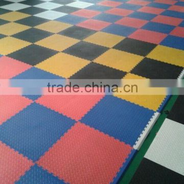 garage use plastic PVC tile