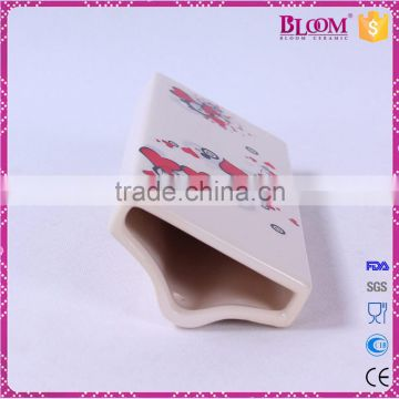 Hanging valentine decoration for ceramic humidifier