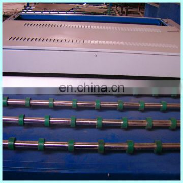 Heating and roller pressing machine for insulating glass produce