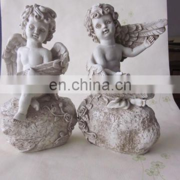 resin little angels for festive decoration