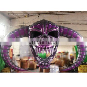 Hot sale Hanging inflatable skull for halloween decoration