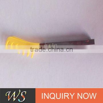 WSCCLG005 7' or customizing sized plastic food clip tong with comb shape on end