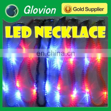Very cheap fashion necklace glovion plastic necklace light up necklace