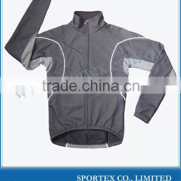 Softshell cycling jacket for men