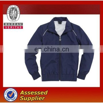 Windbreaker with waterproof function good for sports