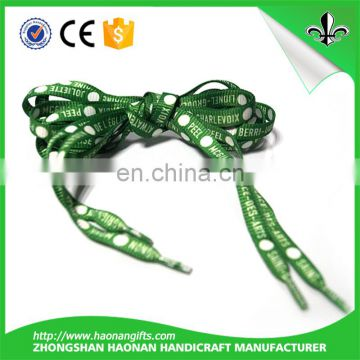 Flat shoelace in customized length for sports shoes