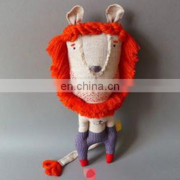 lovely hand-sewn lion plush toys. sew. stuffed animal.Cute DIY lion