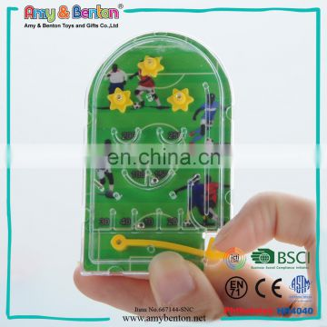 2016 Hot china gift items mini soccer toy handheld maze game