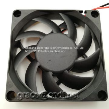 CNDF manufacturer production exhaust dc cooling fan 70x70x15mm 12VDC 24VDC sleeve and 2 ball bearing cooling fan TF7015HS12