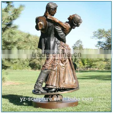 Landscape bronze statue park statue love couple dancing sculpture for decoration