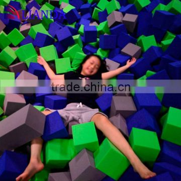 room trampoline, round trampolines with nets, single bungee jumping trampoline wit big foam pit