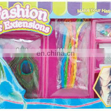 Girls Playing DIY Feather hair clip-in extension set