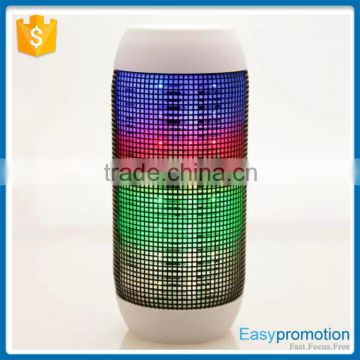 2016 wireless coloful led light supper bass portable bluetooth speaker With FM radio Digital display