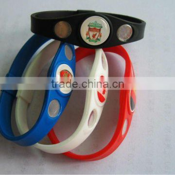 Newest design silicone bracelets