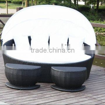 outdoor rattan lounge bed
