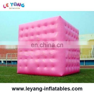 Inflatable giant cube balloon can fly in the sky for advertising or parade