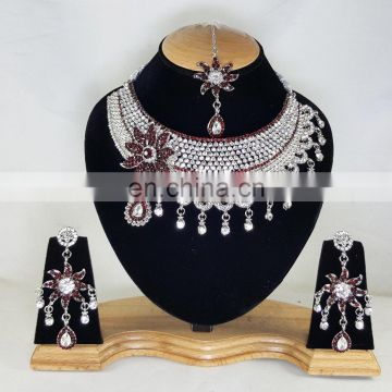 Much More Heart Beated Dark Red Stone Silver Plated Necklace Earrings Set