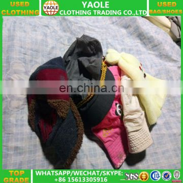 Wholesale second hand items toys ,bags ,hats,scarves in bales