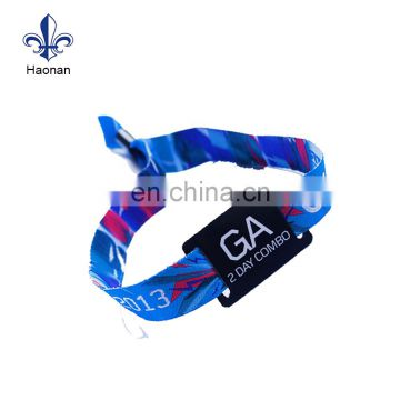 china custom design wristband with QR code