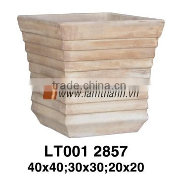 Square Well Design Pattern Terracotta Pottery For Wholesalers