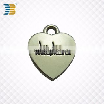 custom logos on cheap price heart shape zinc alloy metal charm pendant with love logos on it