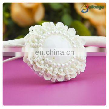 Handmade beaded accessories white color wholesale natural button