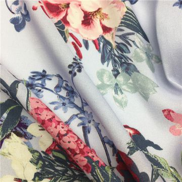 Fashionable Design Custom Digital Printed Floral Printed Patterned Viscose Fabric