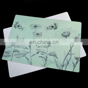 Customized plastic dining table mat
