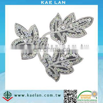 Custom flower design sequin embroidery for garment