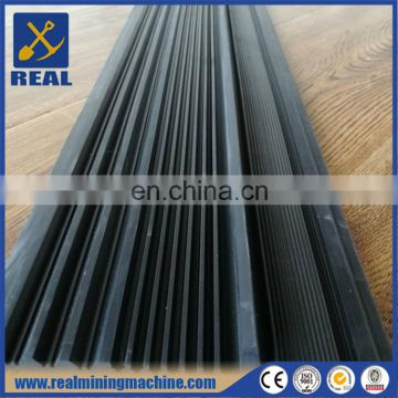 Ribbed rubber matting for gold sluice