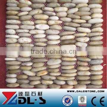 White Medium Standing Pebbles White Pebble Stone For Garden