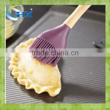 MA-173 Useful Kitchen Utensils Silicone Brush With Steel handle