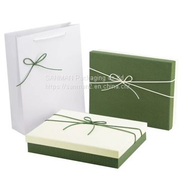 White cardboard lip gloss packaging box