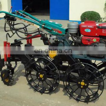 High productivity and low energy consumption peanut harvester
