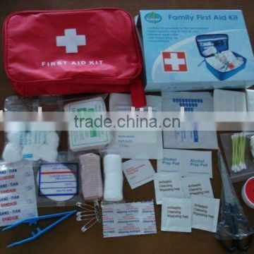 Outdoor medical bag emergency first aid kit