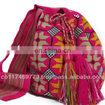 Mochilas wayuu, colombian bags, made by indigenas
