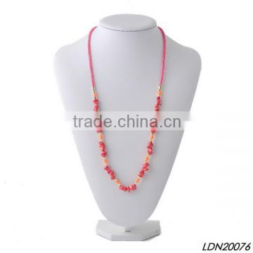 Red acrylic and stone pendant necklace with matching earrings and bracelet                                                                                                         Supplier's Choice