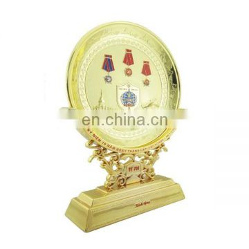 custom zinc alloy plated gold medal souvenir metal plate with metal base