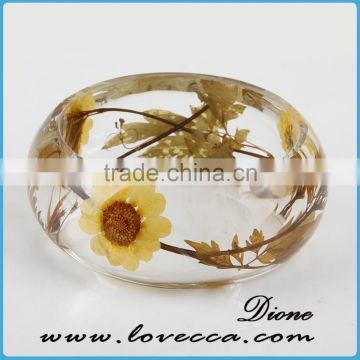 Latest design daily wear bangle dry flower resin bracelets
