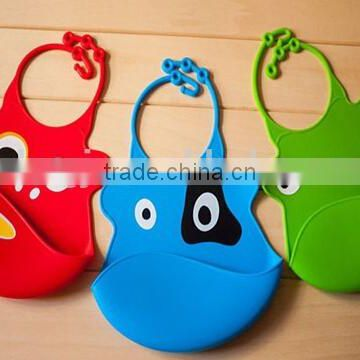 Food grade silicone baby bib with carton character